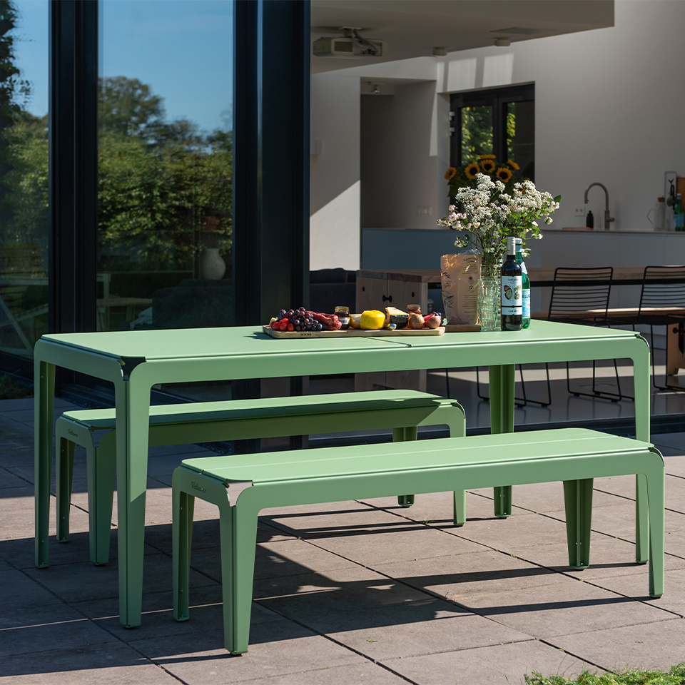 BendedSeries_table_benches_outdoor-terrace
