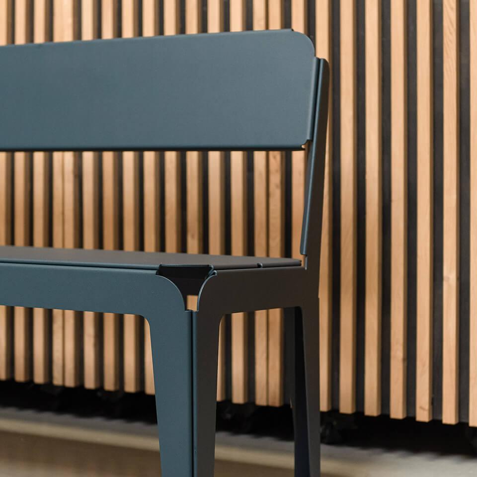 bended-bench-with-backrest-greu-blue-details